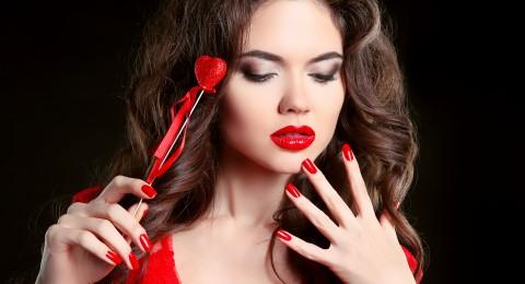 أفكار حلوة لأظافرك في عيد الحب