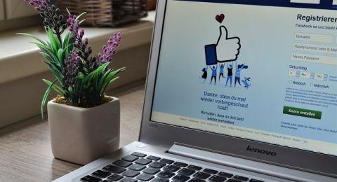 ساعة يدّ ذكية من فيسبوك بخصائص صحية