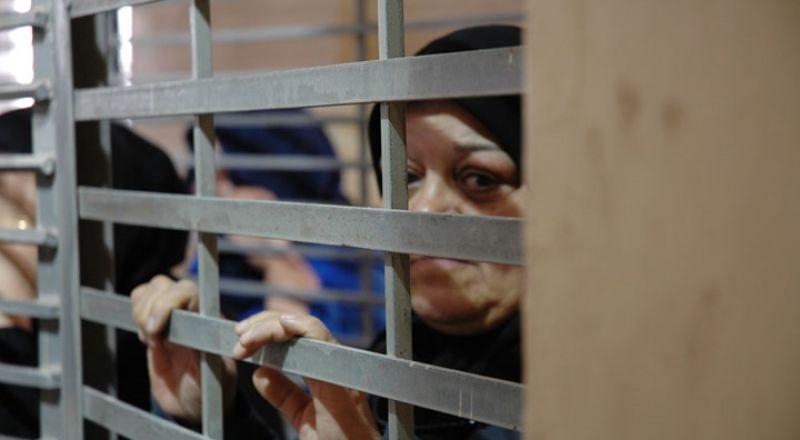 في يوم المرأة العالمي: 35 أسيرة في سجون الاحتلال بينهن 11 أمّا