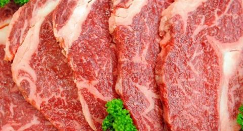 اللحوم والسرطان والوفاة المبكرة.. 100 غرام تعرّضك للخطر!