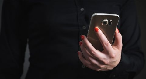 شابة تنتحل شخصية أخرى وتبتز عبر مواقع التواصل، بشراكة زوجها: اعتقال زوجين من باقة الغربية