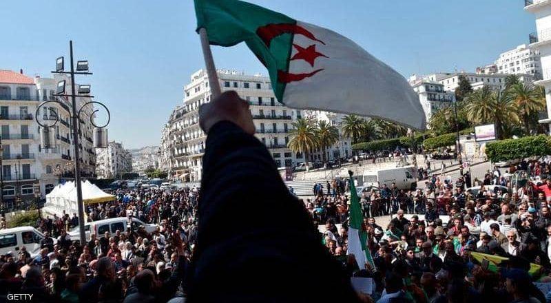 ثلاثاء حاسمة في الجزائر.. من سيدير المرحلة الانتقالية؟