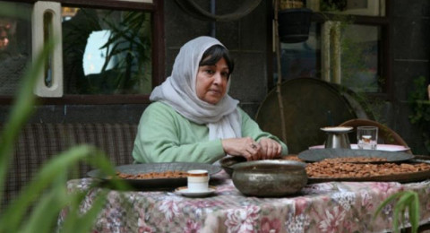 النجوم السوريون يغيبون عن تشييع نجاح حفيظ