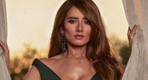 كيف تصرفت زينة بعد فوز أحمد عز على شقيقتها؟