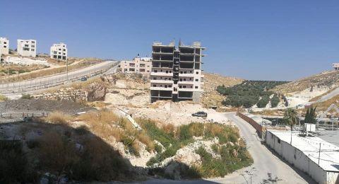 القدس: أهالي وادي الحمص يطالبون بوقف هدم مبانيهم بحجة قربها من جدار الفصل