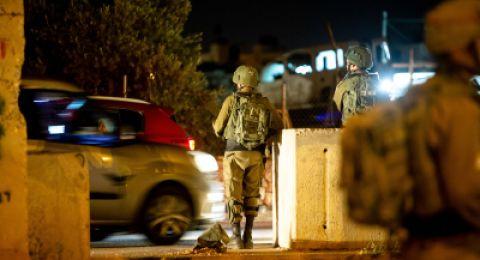 اعتقال 25 فلسطنيًا خلال مداهمات بالضفة