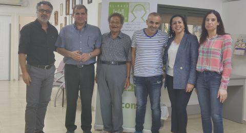 رئيس بلدية عرابة عمر واكد نصار يزور مركز الرازي للتشخيص والعلاج والتأهيل