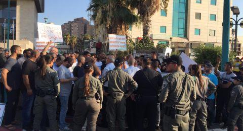 اللد تتظاهر ضد اعتداء الشرطة على دعاء سعدي