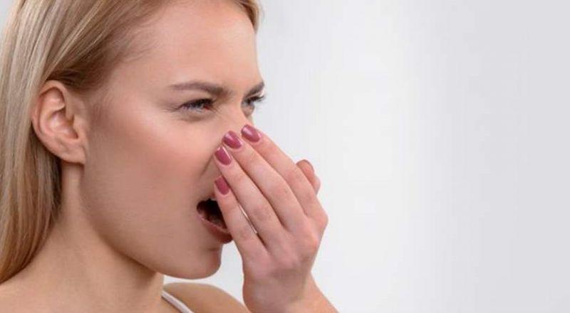 اكتشفوا أسباب رائحة الفم الكريهة!