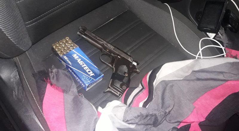 الشرطة تلقي القبض على أحد سكان عرابة (47 عامًا) بشبهة حيازة مسدس