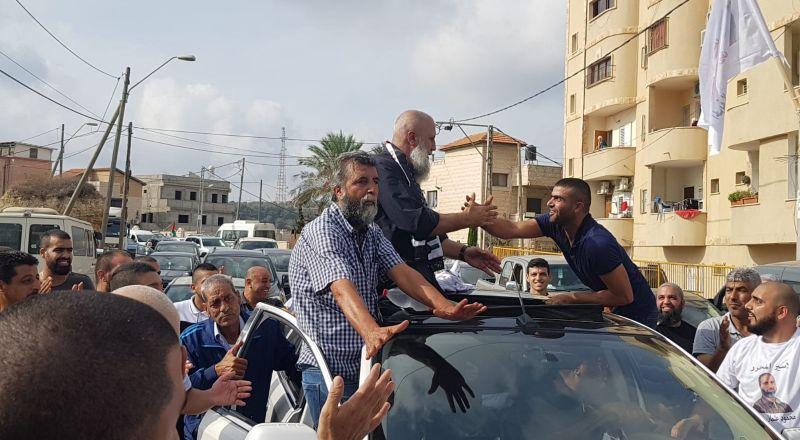 بعد 30 عامًا في الأسر: ام الفحم تستقبل إبنها محمود عثمان جبارين