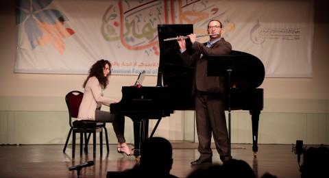 مهرجان الياسمين يختتم دورته مع فرقة أوبوس – رام الله