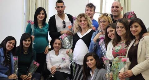 كلية صفد: لجنة الطلاب توزع الورود بمناسبة يوم المرأة العالمي