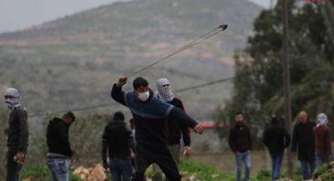 اصابة مصور صحفي وشاب برصاص الاحتلال خلال قمعه لمسيرة كفر قدوم الاسبوعية