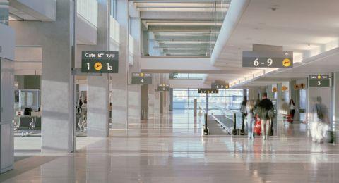 إسرائيل تعلن حظر دخول السائحين من كل العالم إليها