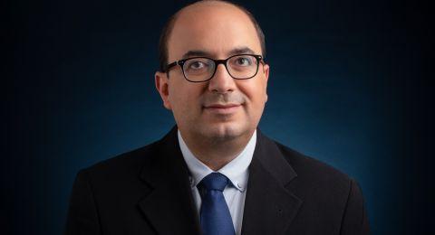 أبو شحادة يطالب وزير الصحة بإتاحة المعلومات حول الكورونا باللغة العربية