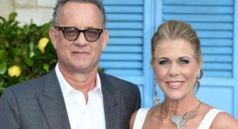 أول ظهور لتوم هانكس وزوجته بعد إصابتهما بكورونا (صورة)