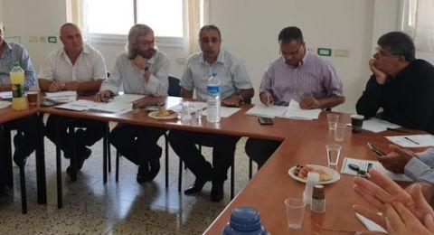 اللجنة القطرية تُباشِر في عملية تنظيم وتمثيل الأعضاء العرب في بلديات المدن الساحلية والمختلطة وفي المجالس الإقليمية