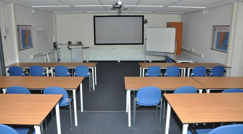 لجنة متابعة قضايا التعليم تدعو الجمهور العربي للالتزام بتعليمات وزارة الصحة بشأن مواجهة الكورونا