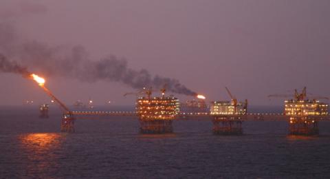 النفط ينخفض في ظل الحرب التجارية بين الصين وواشنطن