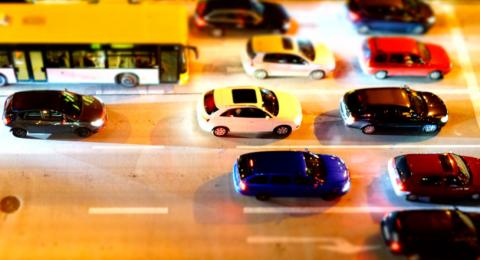 كم تربح شركات صناعة السيارات في الثانية الواحدة؟