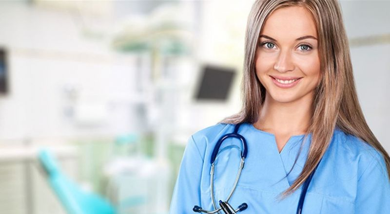 لماذا ينجذب الرجل الى الممرضة ويفكر في الزواج منها؟