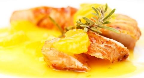 طريقة عمل قطع الدجاج بصلصة البرتقال والقرفة