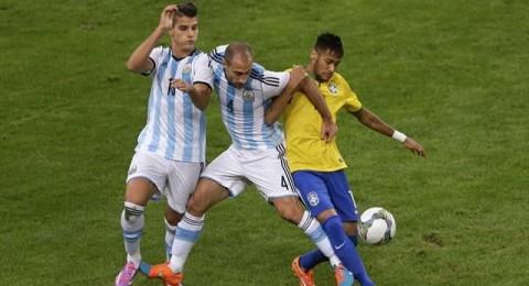 صباح غد..لقاءات مثيرة لمنتخبات جنوب امريكا..البرازيل VS الارجنتين
