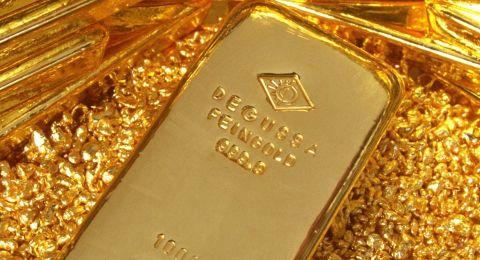 الذهب يقفز بعد نزيف أمس