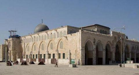 القوات الاسرائيلية تمنع وصول المصلين إلى المسجد الأقصى