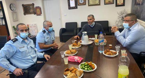 قادة شرطة العفولة والمروج تزور بستان المرج لجلسة عمل