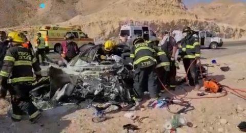 حادث طرق بالقرب من ايلات يسفر عن مقتل شاب وجرح آخرين
