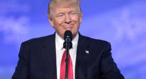 ترامب يهدد الفلسطينيين ويتفاخر: وعدت إسرائيل وأوفيت