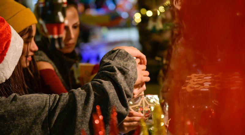 أجواء أوروبيّة ساحرة في كريسماس ماركت جولدن كراون - الناصرة