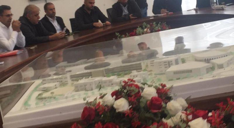 سخنين: اجتماع طارئ على خلفية اطلاق النار تجاه منزل رئيس البلدية