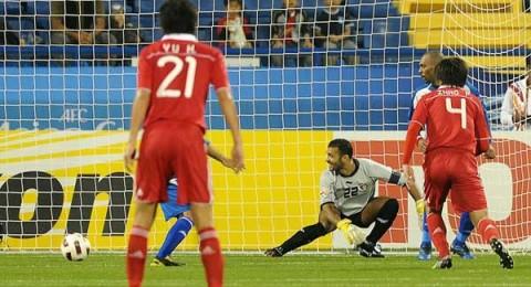 الصين تهزم الكويت بمساعدة الحكم في كأس آسيا.