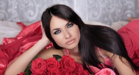 اهدي بشرتك في يوم الحب قناع الورد الاحمر