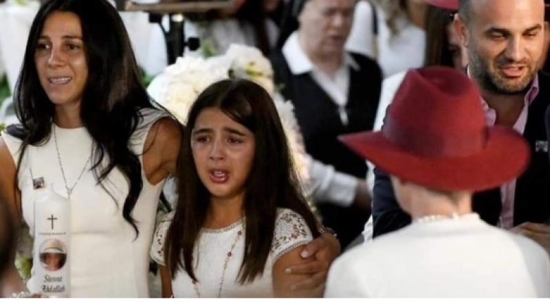 لينا عبدالله تودّع اخوتها بالبكاء والدموع
