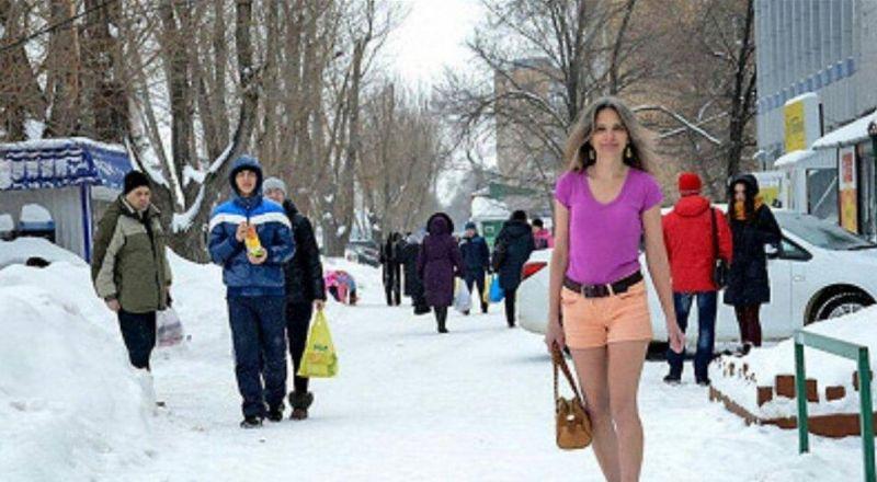 حسناء روسية ترتدي ملابس قصيرة دائما في عز البرد.. ما سرها؟