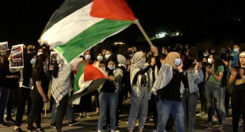كفرقرع تتضامن مع القدس وتغلق شارع وادي عارة