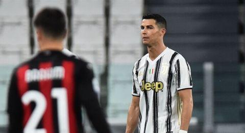 بعد الخسارة الكبيرة أمام ميلان.. رونالدو في مرمى الانتقادات