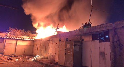 اندلاع حريق داخل محل تجاري في مدينة الرملة