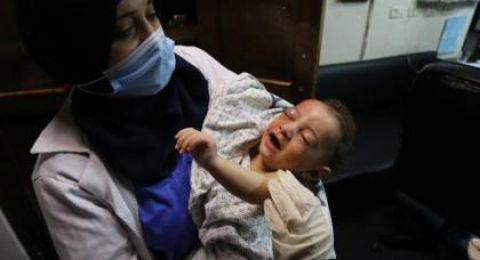 بالفيديو: بكاء هستيري من مسعف بعد رؤية أشلاء ضحايا مجزرة مخيم الشاطئ