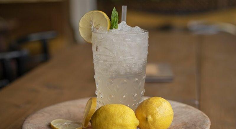 حرق الدهون والمناعة.. عصير ماء الديتوكس المنزلي يقدم فوائد مذهلة