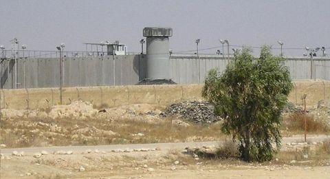 الجيش الاسرائيلي يقتحم قسم أسرى