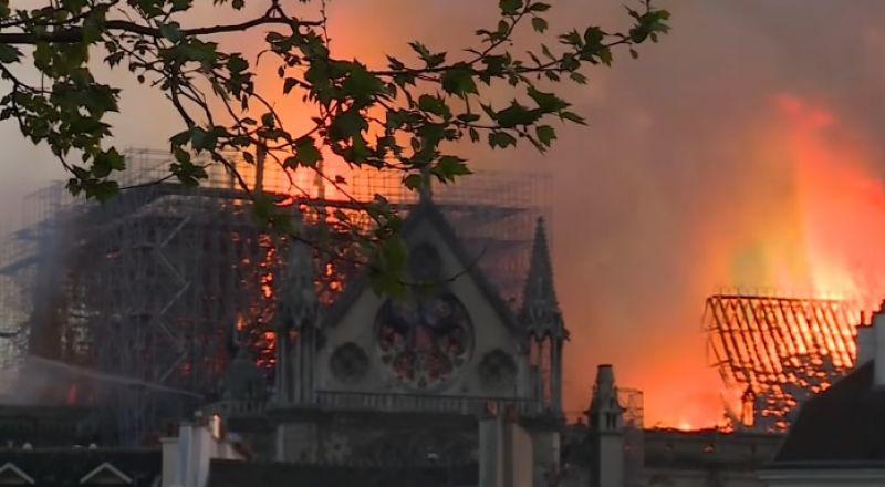 بعد شهرين من الحريق.. إحياء أول قداس في نوتردام بباريس