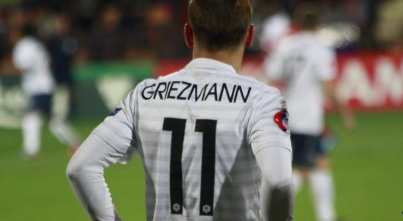 جماهير برشلونة تتلقى النبأ السعيد بشأن غريزمان