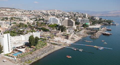 انتعاش السياحة الداخلية في الشمال والجنوب وتراجعها في القدس وتل أبيب