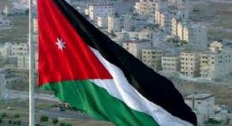 الأردن.. مدير خزينة بنك يحتال على مواطنين بملايين الدنانير ويغادر إلى دولة خليجية
