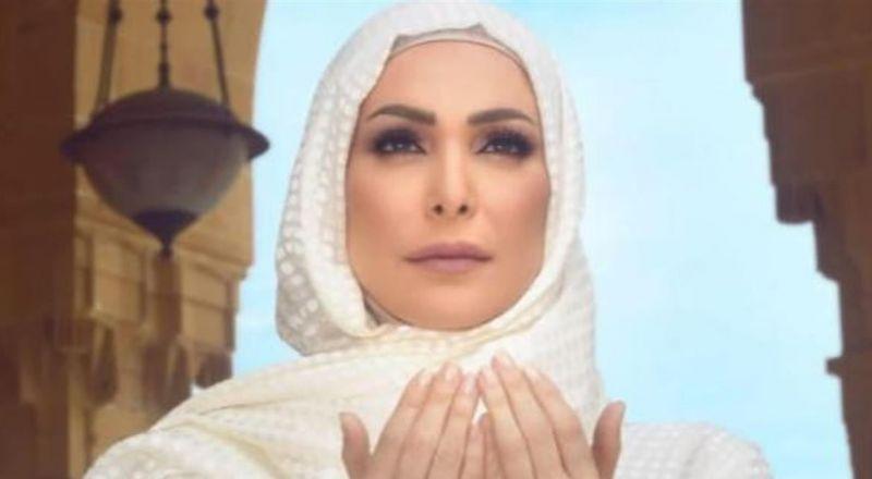 أمل حجازي تغضب بشدة وتهاجم اللبنانيين بقسوة